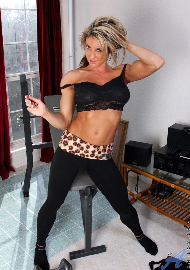 Hot milf working out
